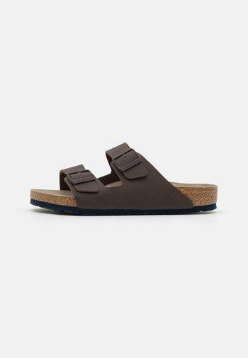 ARIZONA SOFT FOOTBED - Slippers - roast