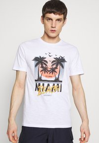 Jack & Jones - JORKALLO TEE CREW NECK - T-Shirt print - white - 0