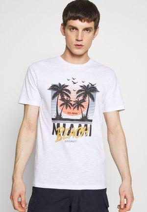 JORKALLO TEE CREW NECK - T-shirt med print - white
