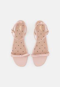 Red V - Sandals - nude - 4