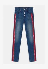Guess - JUNIOR HIGH WAIST SKI - Jeans Skinny Fit - blue denim - 0