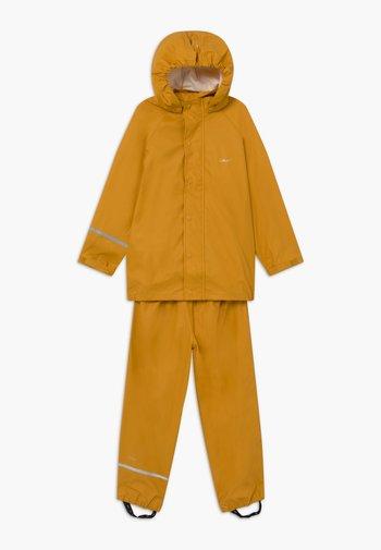 BASIC RAINWEAR SET UNISEX - Vodotěsná bunda - mineral yellow
