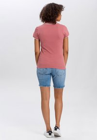 Cross Jeans - Polo shirt - dark rosa - 2
