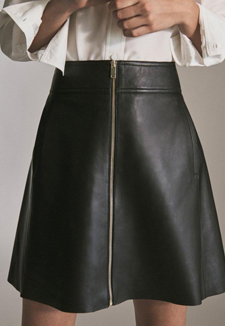 Massimo Dutti - MIT REIẞVERSCHLUSS  - Leather skirt - black