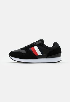 CORPORATE FLAG RUNNER - Trainers - black