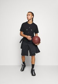 Jordan - AIR CREW - Print T-shirt - black/white/smoke grey - 1