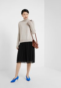 Bruuns Bazaar - THORA VIOLET SKIRT - Áčková sukně - black - 1