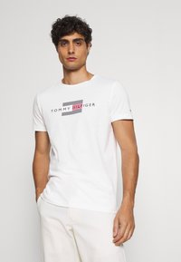 Tommy Hilfiger - LINES TEE - Print T-shirt - white - 0