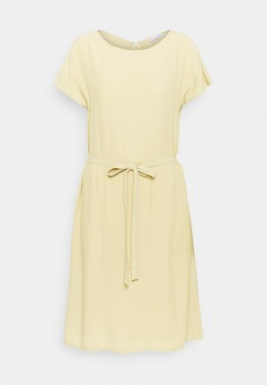 SHORTSLEEVE DRESS - Sukienka letnia - muted lime