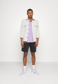 BDG Urban Outfitters - DAD - Denim shorts - washed black - 1