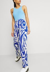 Monki - Relaxed fit jeans - rave blue - 3