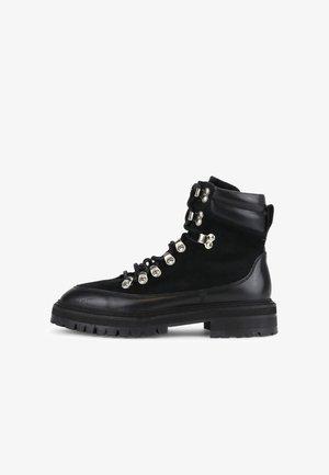 DOWNTOWN HIKER OXFORD - Šněrovací kotníkové boty - black