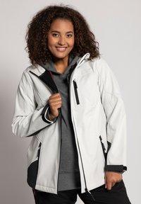 Ulla Popken - Soft shell jacket - offwhite - 0