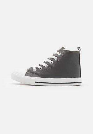 CLASSIC TRAINER LACE UP - Zapatillas altas - grey
