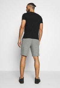 Champion - BIG LOGO BERMUDA - Pantalón corto de deporte - grey - 2