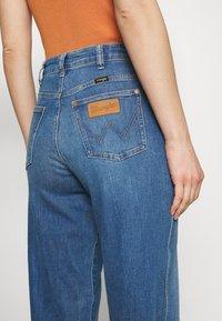 Wrangler - MOM  - Relaxed fit jeans - summer haze - 3