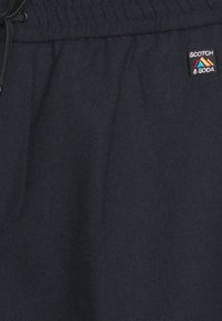 Scotch & Soda - FAVE BONDED BLEND PANT WITH ELASTICATED WAISTBAND - Kangashousut - navy - 2