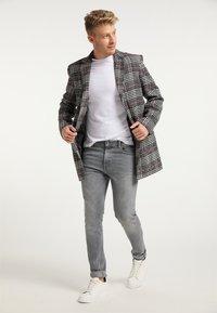 Mo - Krátký kabát - schwarz weiss - 1