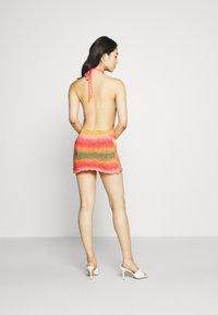 Jaded London - HALTER DRESS WITH BABYLOCK EDGE OMBRE - Strikket kjole - pink/yellow/green - 2