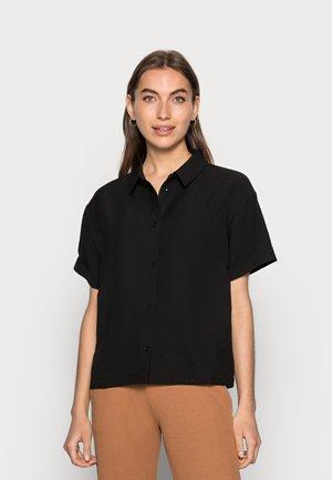 LAVATÈRE - Button-down blouse - black
