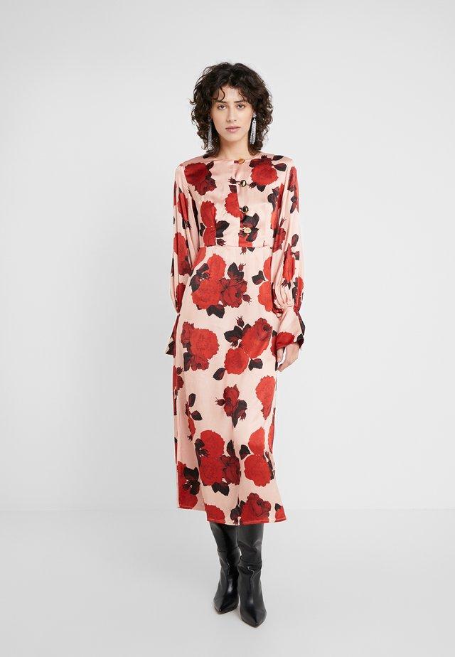 JENNA - Sukienka koszulowa - red rose