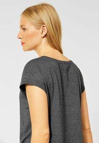 Street One - Basic T-shirt - mottled light grey - 1