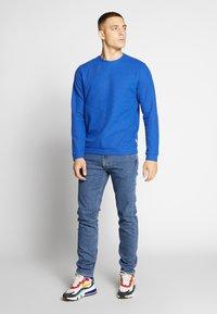 Lee - DAREN ZIP FLY - Jeans straight leg - mid stonewash - 1
