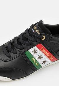 Pantofola d'Oro - IMOLA ROMAGNA FLAG UOMO  - Matalavartiset tennarit - black - 5