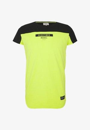 SAUL TEE - Camiseta estampada - acid lime