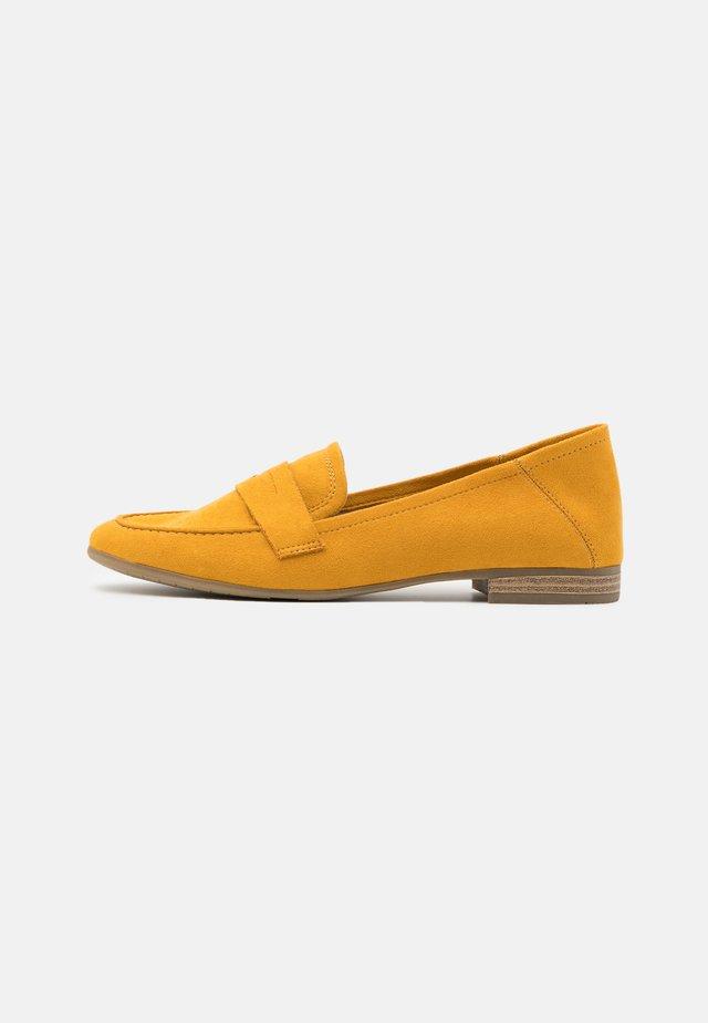 WOMS  - Nazouvací boty - saffron