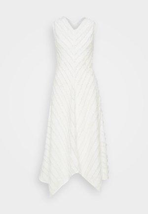 FRINGE FIL COUPE DRESS - Robe d'été - cream