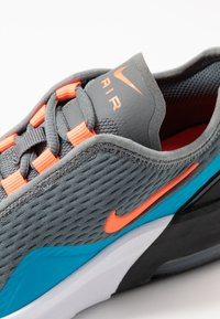 Nike Sportswear - AIR MAX MOTION 2  - Sneakers laag - smoke grey/hyper crimson/black/laser blue - 2
