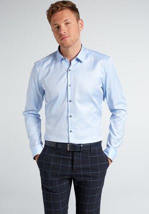 SUPER-SLIM - Formal shirt - hellblau