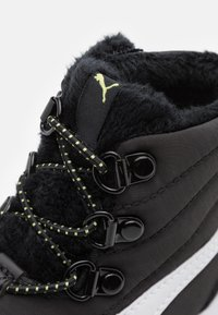 Puma - FUN RACER BOOT UNISEX - Winter boots - black/white