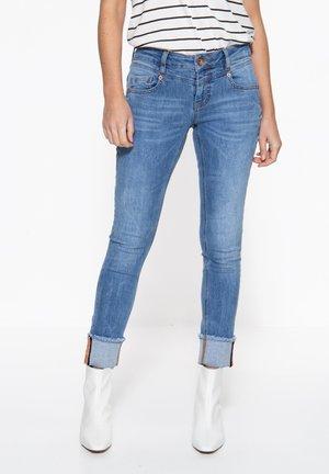 MIT AUFSCHLAG MIT A - Slim fit jeans - blau
