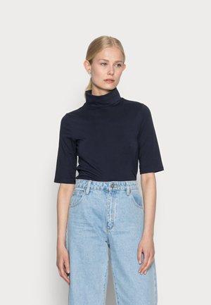ELA ROLL NECK SHORT - Basic T-shirt - navy