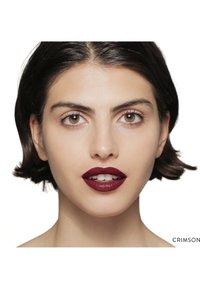 Bobbi Brown - LUXE LIP COLOR - Lipstick - color crimson - 1