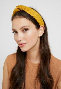 NAF NAF - TUTTI - Hair styling accessory - yellow - 1