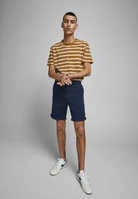 Jack & Jones - Shorts - navy blazer - 3