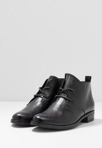 Marco Tozzi - Kotníková obuv - black antic - 4