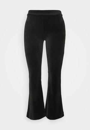 VMKAMMA FLARED - Pantaloni - black