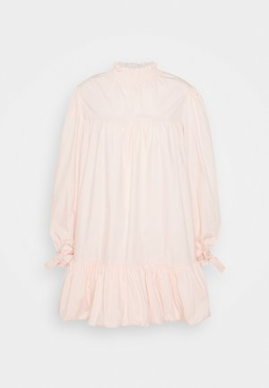 TIE LONG SLEEVE PUFF HEM SHIRT MINI DRESS WITH HIGH NECK - Kjole - blush