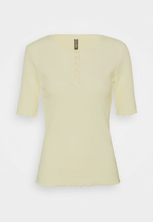 PCLUCA HALF PLACKET TEE - Basic T-shirt - almond oil