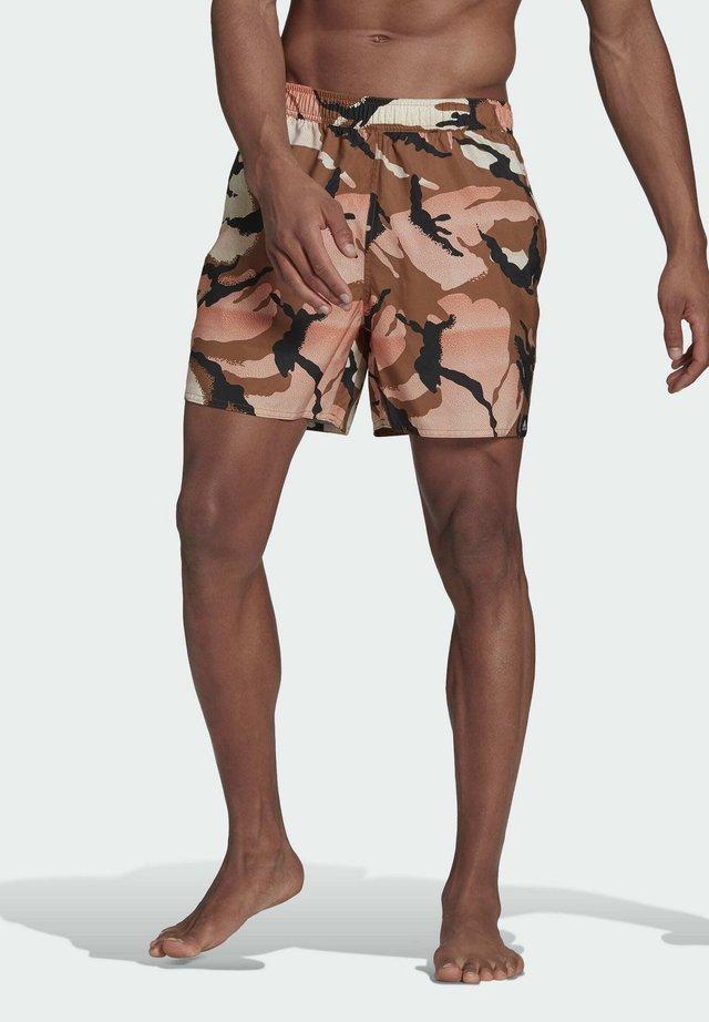 SHORT-LENGTH GRAPHIC SWIM SHORTS - Swimming shorts - brown