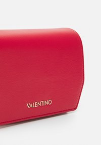 Valentino Bags - PRUE - Across body bag - rosso - 4