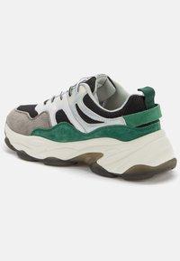 Crosby - Sneakers laag - black/green - 4