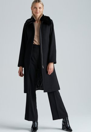MADELEINE  - Classic coat - black
