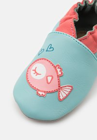Robeez - FISH IN LOVE - First shoes - turquoise clair - 5