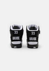 Ewing - FOCUS X HAVOC OF MOBB DEEP - Baskets montantes - white/black - 2