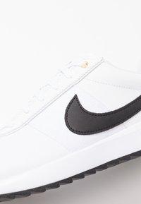 Nike Golf - CORTEZ - Obuwie do golfa - white/black/metallic gold - 5